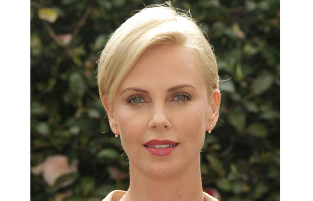 Charlize Theron stunned by pal Chris Hemsworth's Bond vote