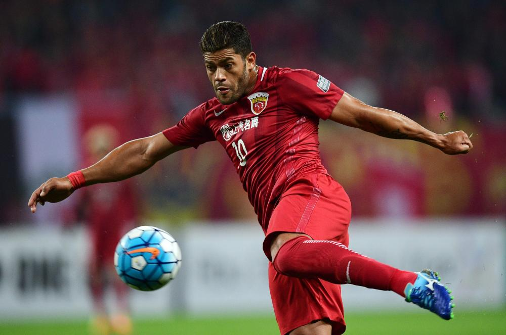 This file photo shows Shanghai SIPG Brazilian forward Hulk kicking the ball during the AFC Asian Champions League group football match between China's Shanghai SIPG and Australia's Western Sydney Wanderers in Shanghai. Chinese clubs were sent a letter by CFA stating clubs had until Aug. 31 to clear all outstanding payments or face exclusion from next year's Asian Champions League. — AFP