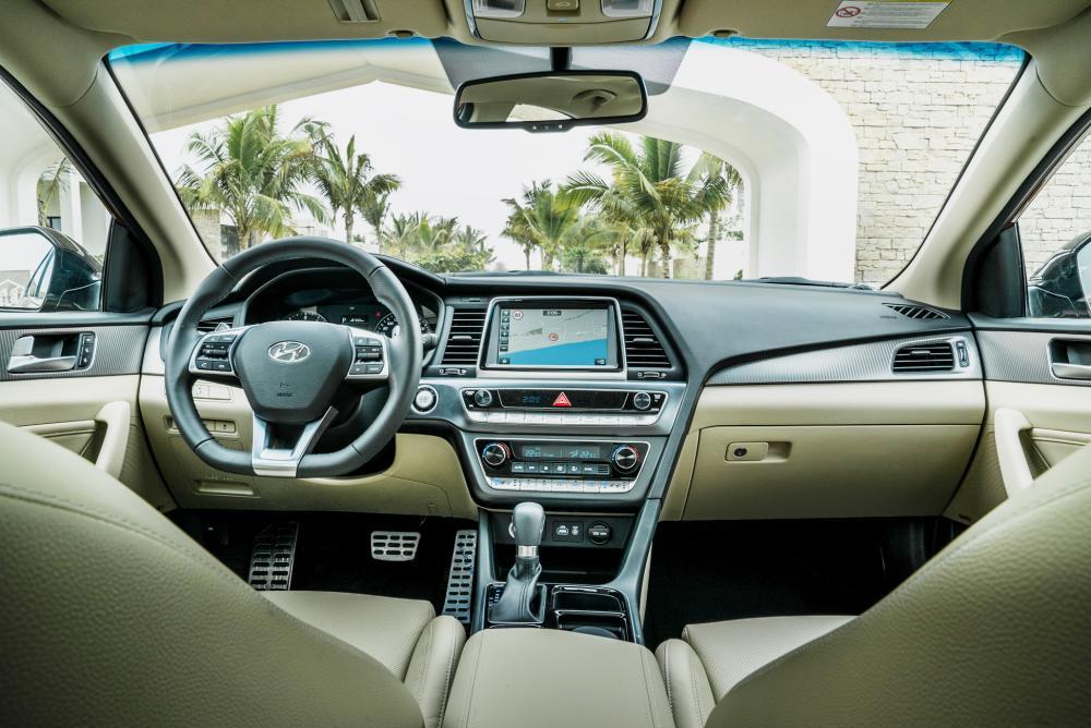 New Hyundai Sonata dashboard