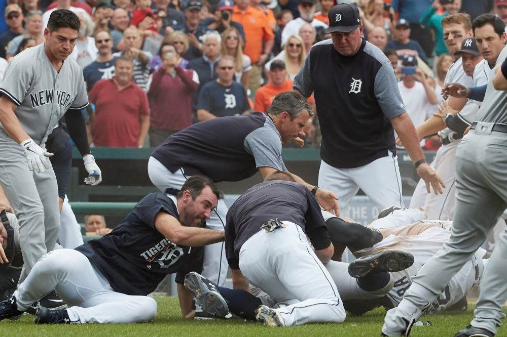 Yankees-Tigers brawl after Miguel Cabrera-Austin Romine scuffle