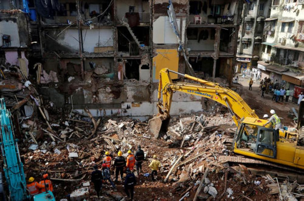 22 killed as 117-year-old Mumbai building caves in