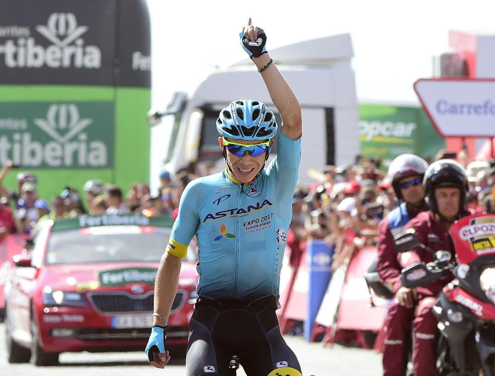 Froome retains Vuelta red jersey with strong mountain finish