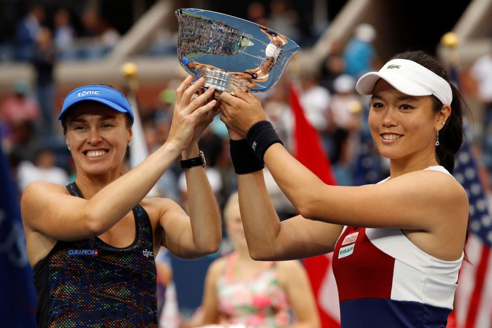 Hingis and Chan Claim US Open Doubles Title