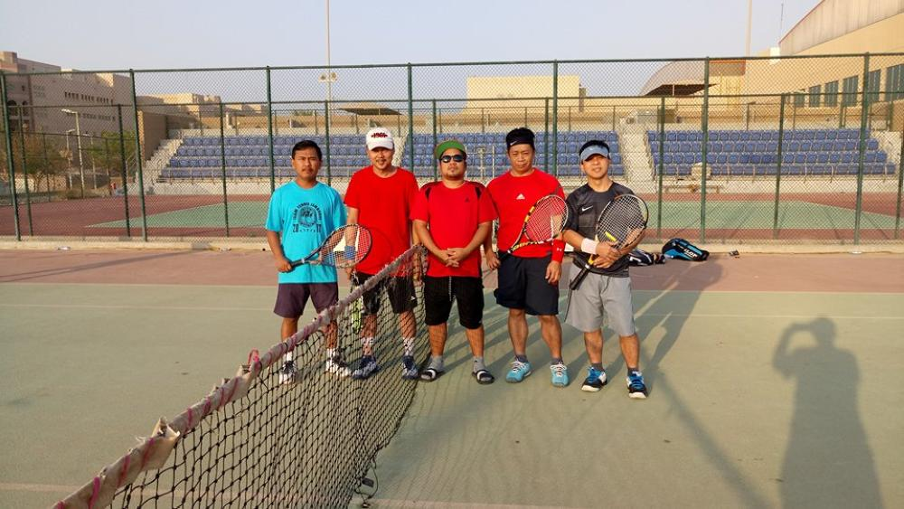 (From L) Medmed Darkum, Moi Noto (Team D), Waymour Carmelotes (umpire), Fred Masangkay and Boy Isuga (Team A)