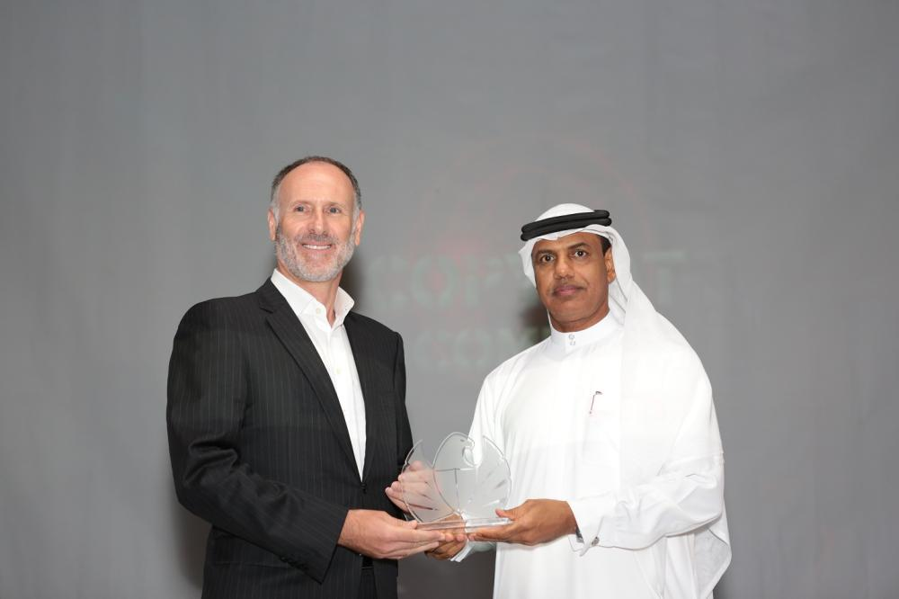 OSN CEO Martin Stewart and Director of Dubai Customs Ahmed Mahboob Musabih