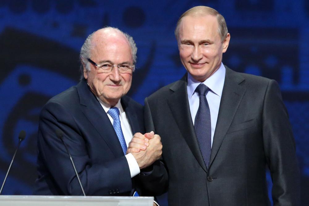 Sepp Blatter (L) with Russian President Vladimir Putin