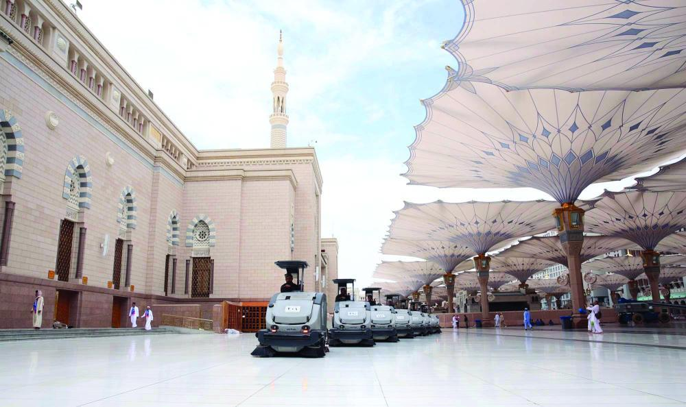 The Presidency for the Affairs of the Prophet's Mosque ensures that the indoors and outdoors of the mosque are neat and tidy. — Courtesy Makkah
