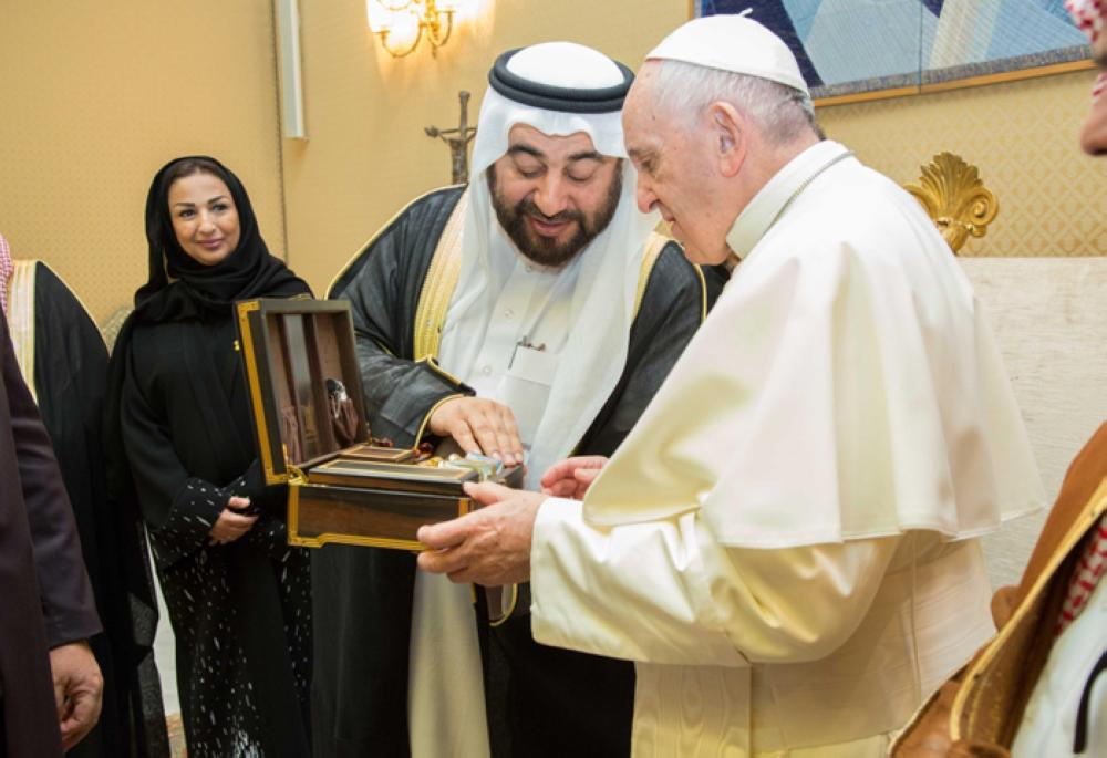 A Saudi delegation headed by Adviser to Minister of Islamic Affairs, Call and Guidance Dr. Abdullah Bin Fahd Al-Luhaidan meets with Pope Francis at the Vatican in Rome Thursday. – SPA