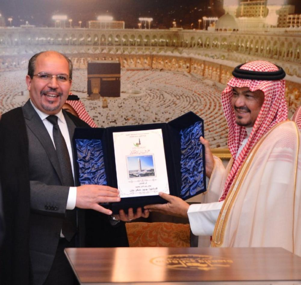 Minister of Haj and Umrah Muhammad Benten receives Algeria's Minister of Religious Affairs and Endowments Mohamed Aissa.
