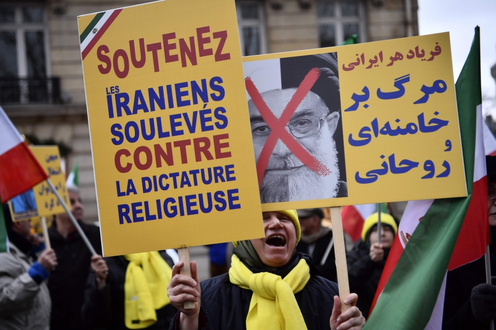 Hundreds protest in Europe, US in solidarity with Iranian uprising