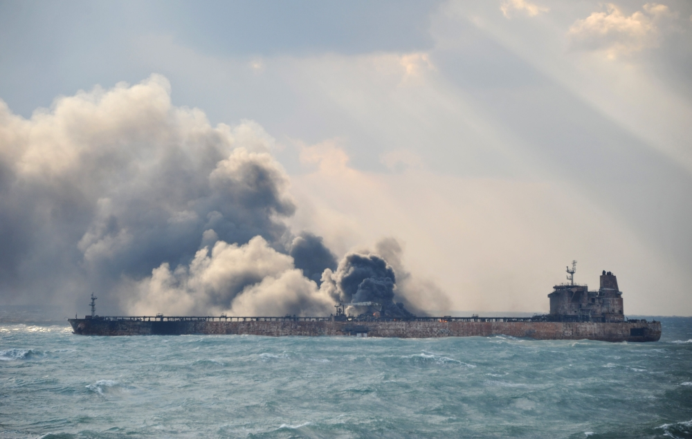 Firefighting efforts resume on burning tanker off China