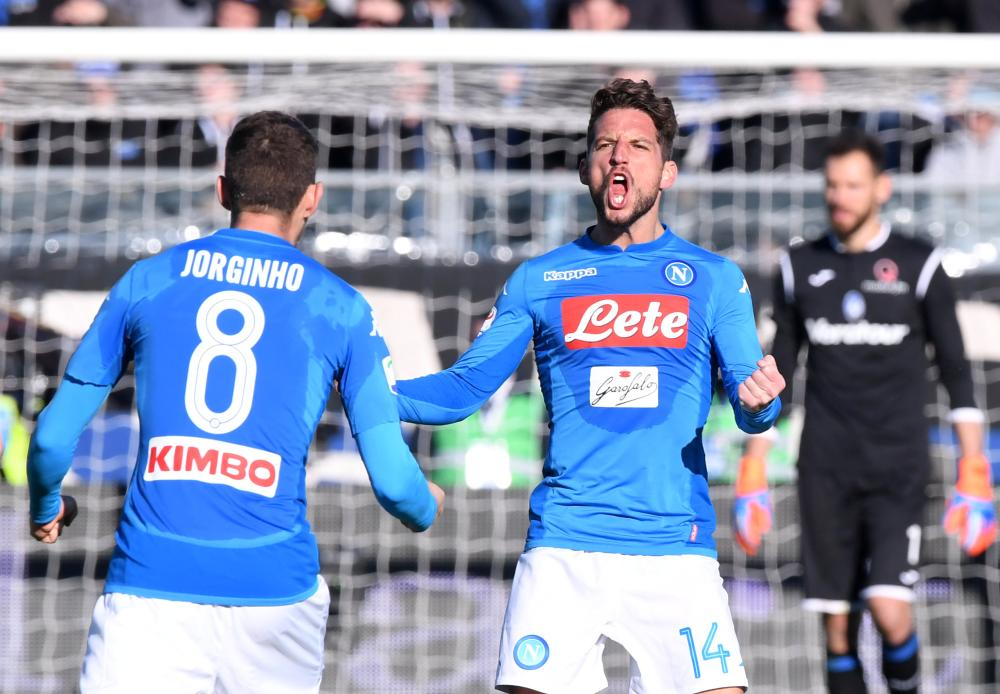 Dries Mertens keeps Napoli top of Serie A, Lazio hit five
