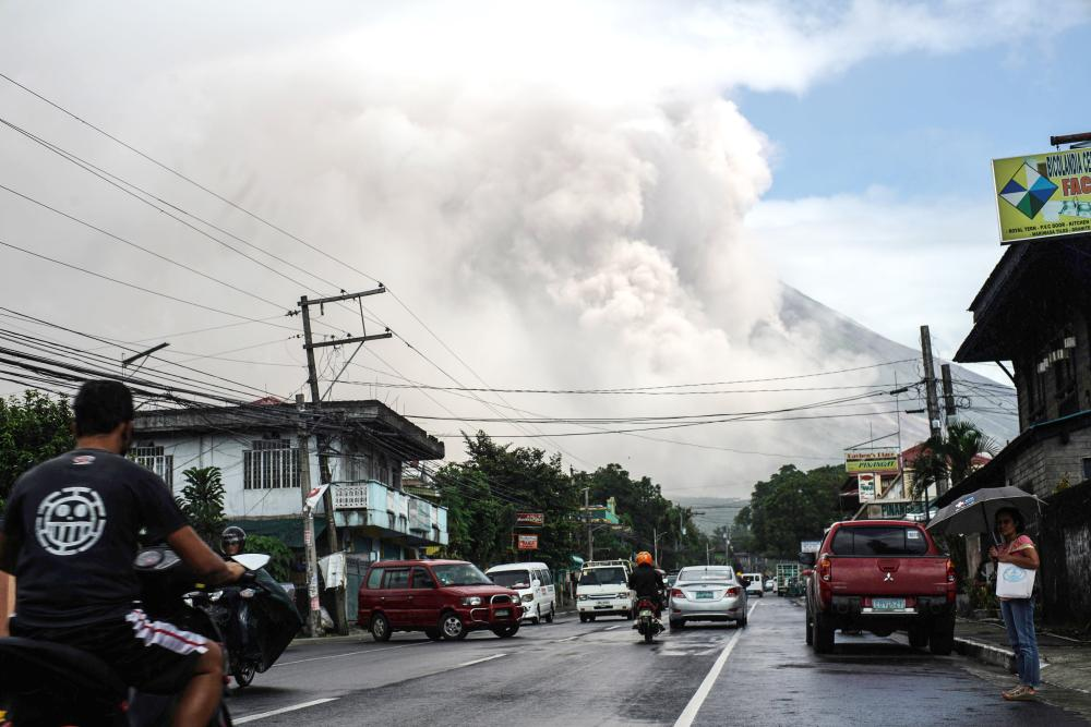 Alert level 3 still up over Mayon Volcano - Phivolcs
