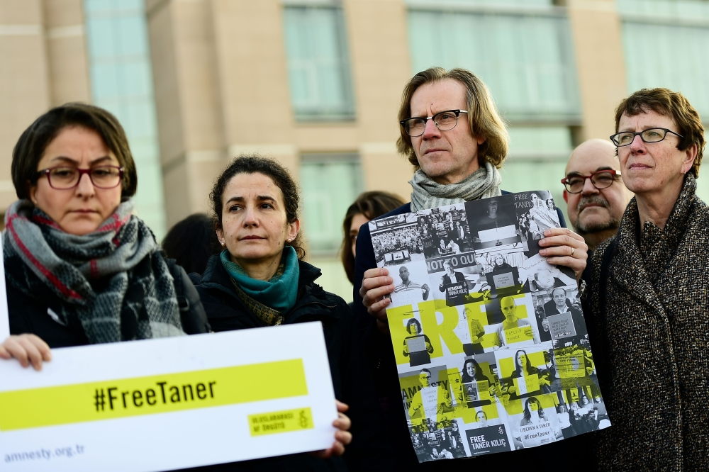 Turkey court decides to release Amnesty International chief