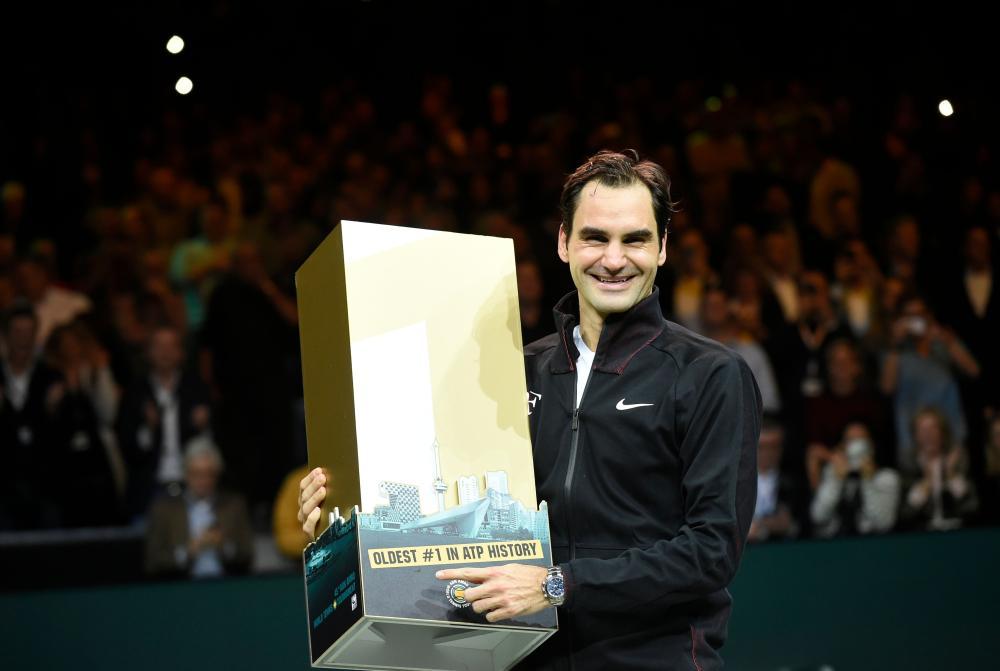 Roger Federer becomes oldest world No 1 in tennis history