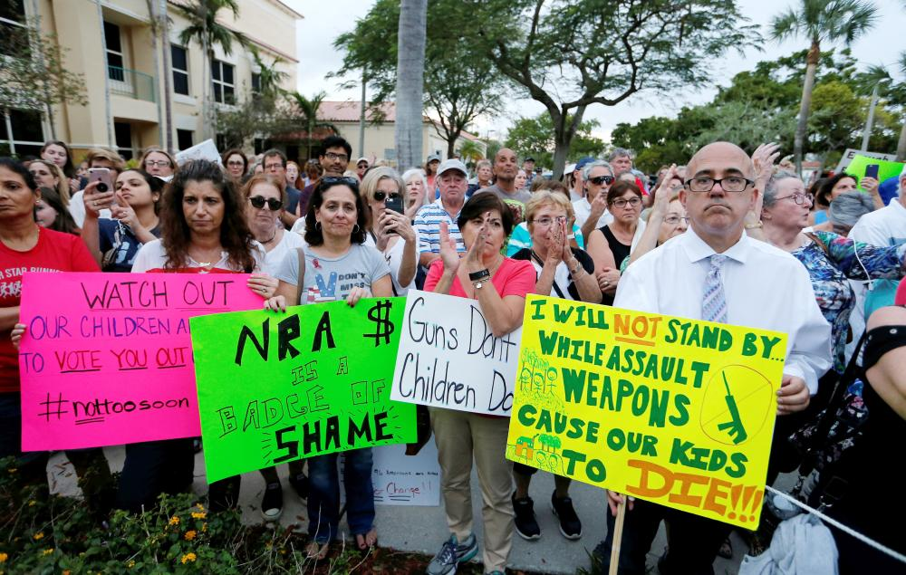 Students lead protests against gun violence in US