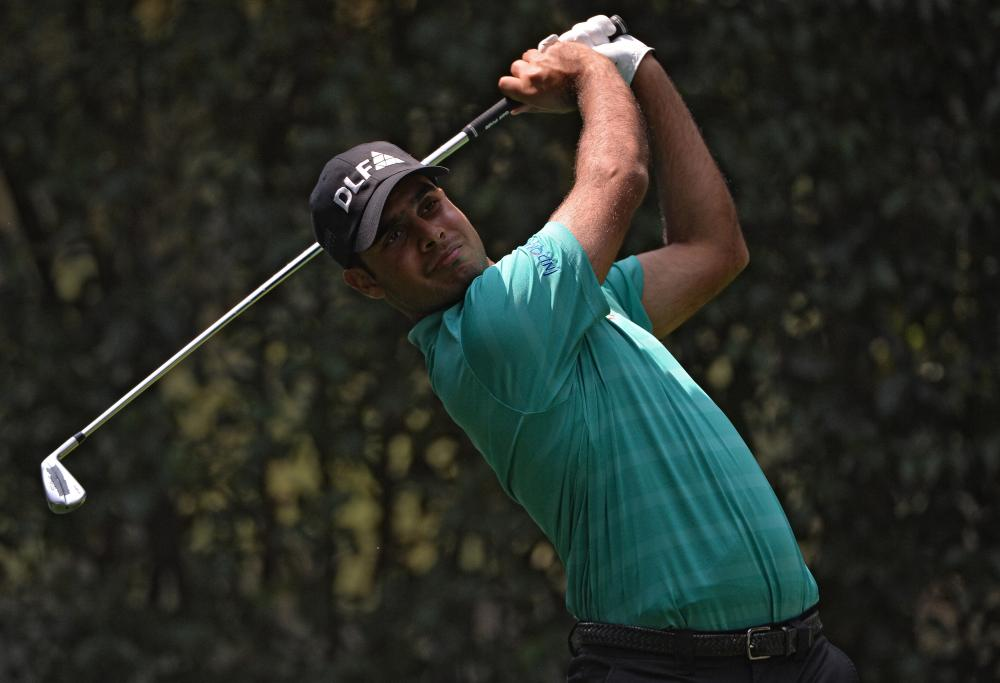 Bland Strong But Sharma Surprise Leader In Mexico