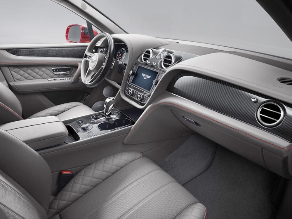 Bentley Bentayga V8 interior