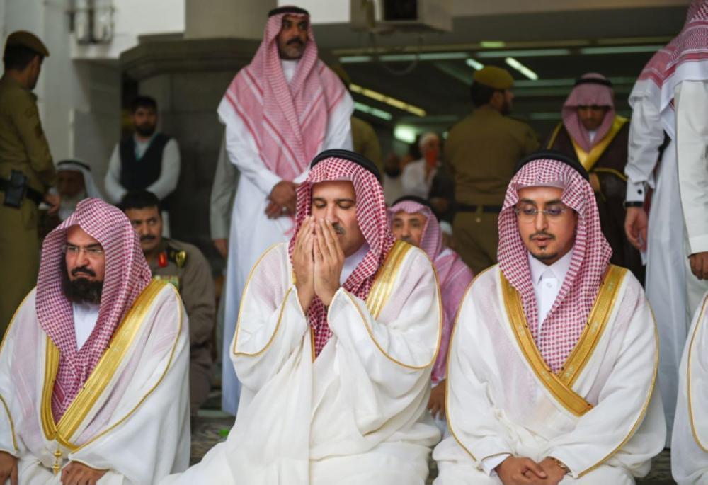 Prince Faisal Bin Salman, emir of Madinah region, offers prayers in Makkah. — SPA