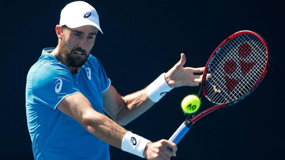 Stan Wawrinka beaten on return from injury at Italian Open