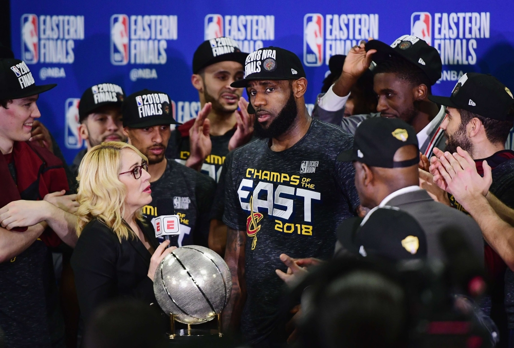 Lebron takes Cavaliers to 4th NBA Finals in a row