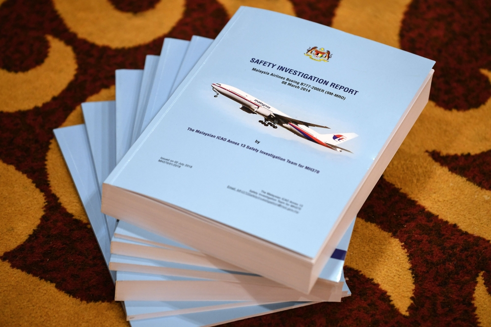 MH370 report: Malaysia's aviation chief QUITS over failings