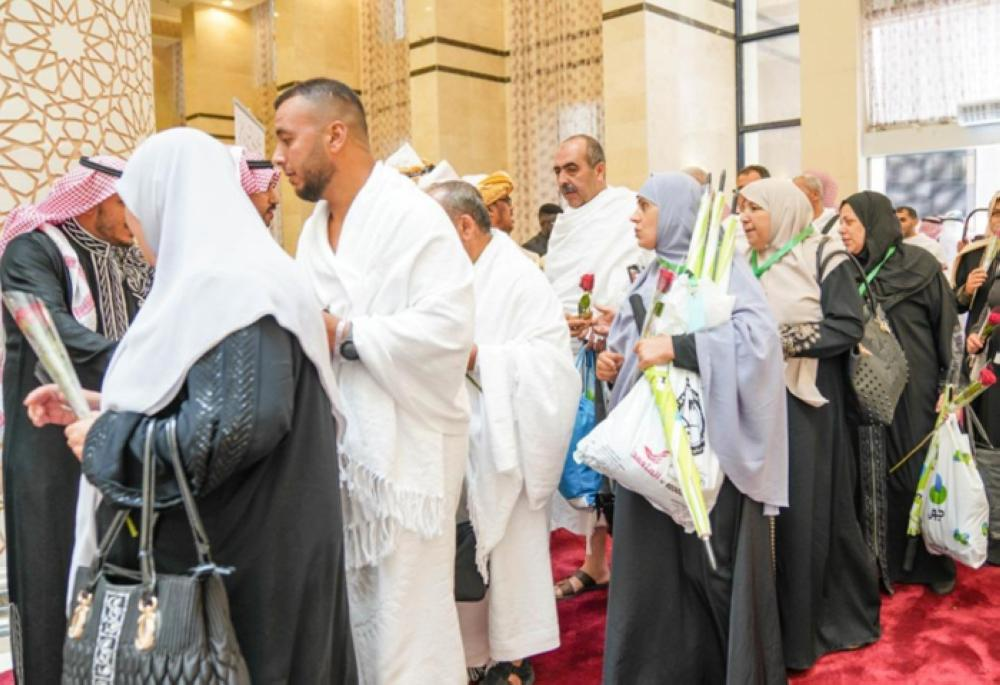 Hajj season starts with almost 2 mln pilgrims