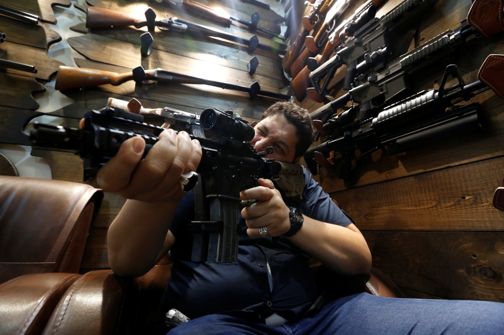 Baghdad gun shops thrive after Iraqi rethink on arms control