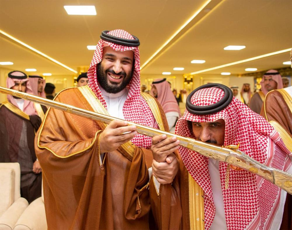 Saudi Crown Prince distributes prizes to camel race winners