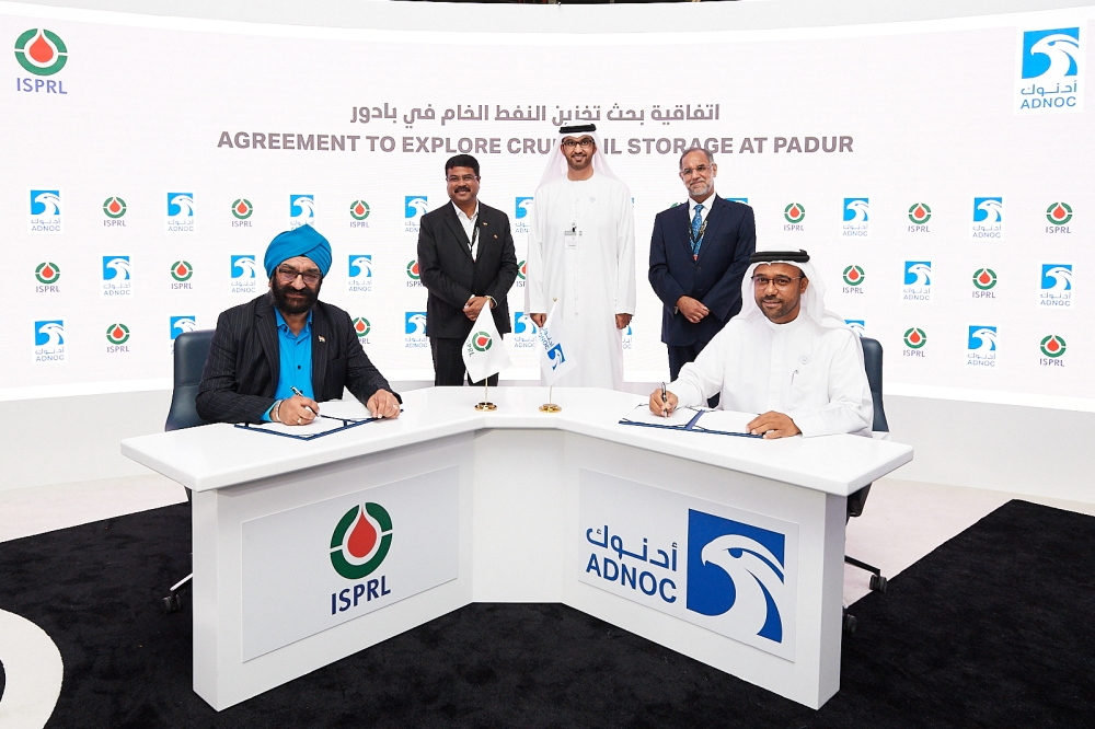 Abdulla Salem Al Dhaheri (right), Director of Marketing, Sales and Trading at ADNOC; and HPS Ahuja, CEO and MD at ISPRL, sign the MoU on the sidelines of the Abu Dhabi International Petroleum Exhibition and Conference (ADIPEC)