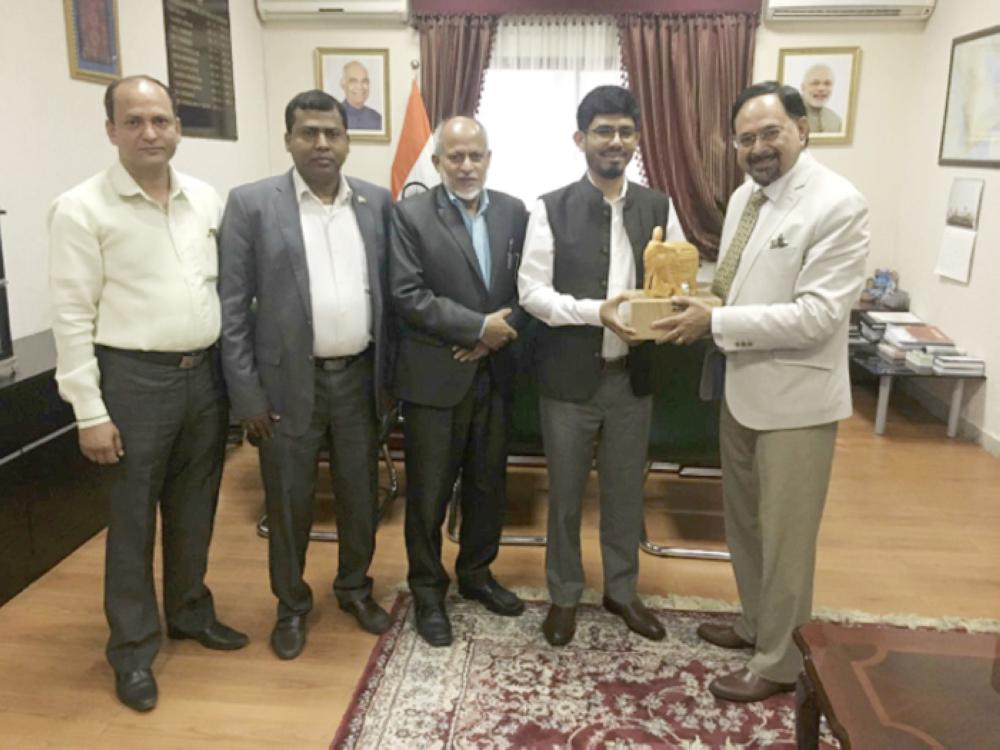 Ashok Sethi, director, Trade Promotion Council of India (TPCI), Ministry of Commerce & Industry, India along with Consul General Md. Noor Rahman Sheikh in Jeddah. — Courtesy photos