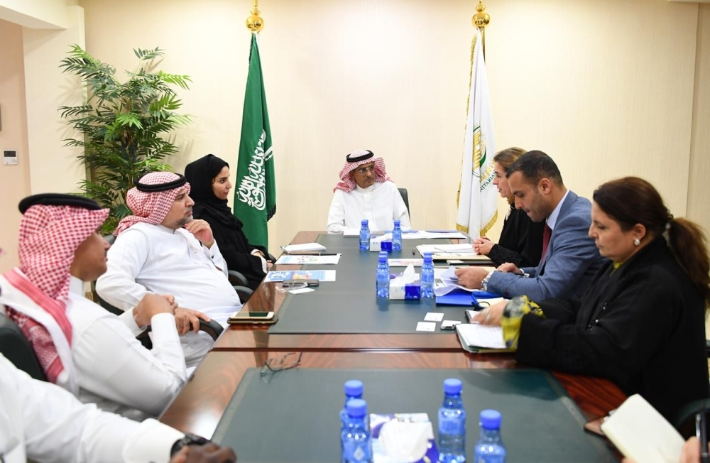 Ahmed Al-Baiz, assistant supervisor general of King Salman Humanitarian Aid and Relief Center, meets UNDP representatives in Riyadh.