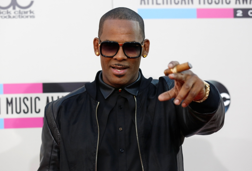 Singer R. Kelly arrives at the 41st American Music Awards in Los Angeles, California, in this Nov. 24, 2013 file photo. — Reuters