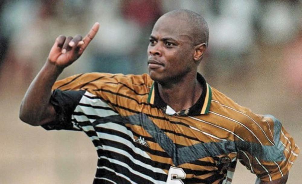 Philemon'Chippa Masinga   SA football 'giant' Masinga dies