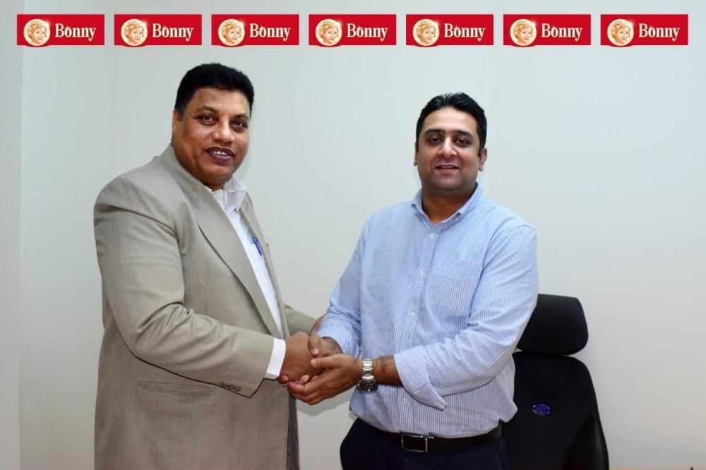 Sharib Zameer (R), regional manager, Brands KSA, with JCA's Ahmed Bin Mahfooz