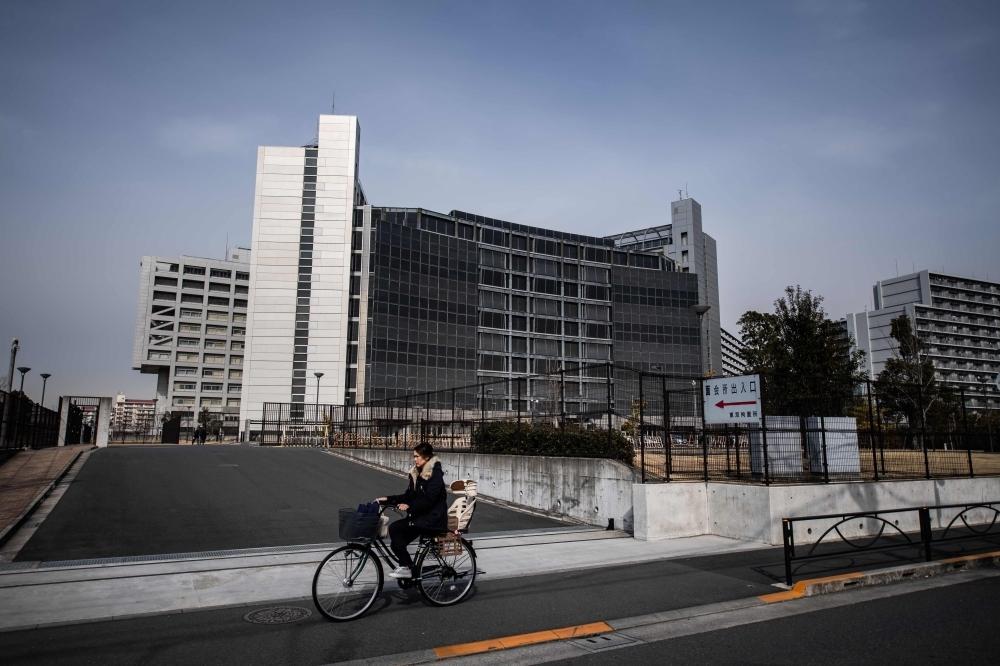 Toyota's, Nissan's global sales fall short of Volkswagen's