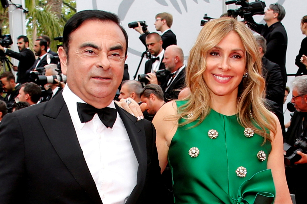 Renault reports Ghosn's wedding to investigators