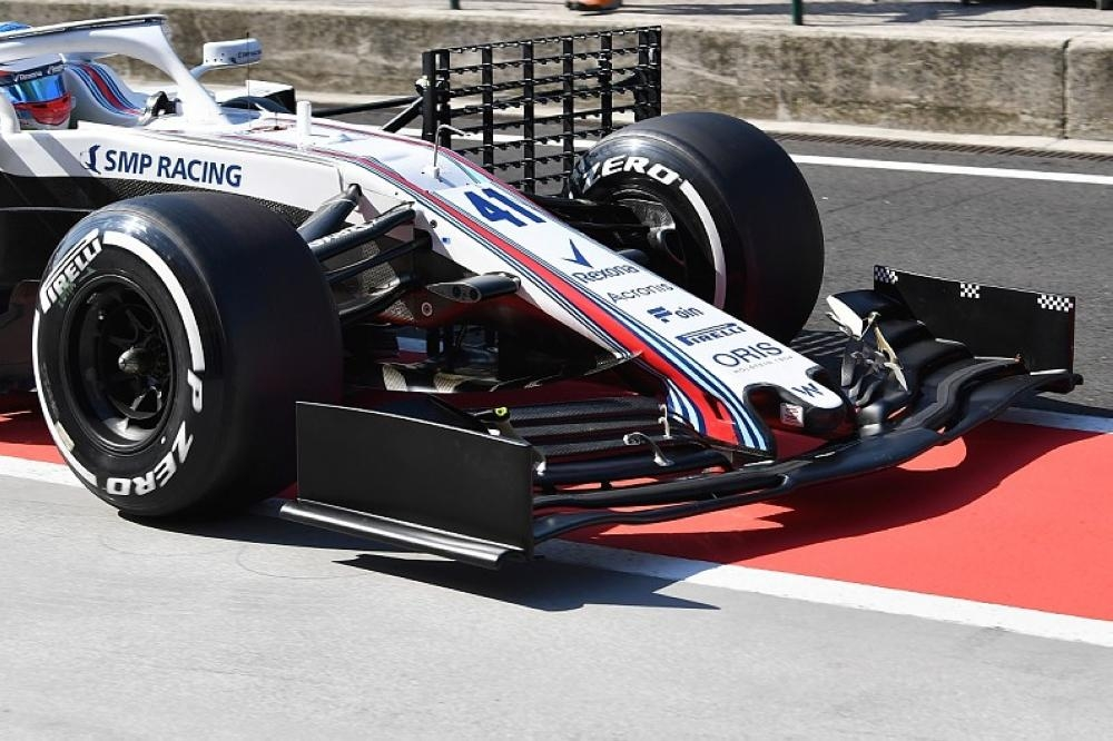 Williams technical chief Lowe takes 'leave of absence'