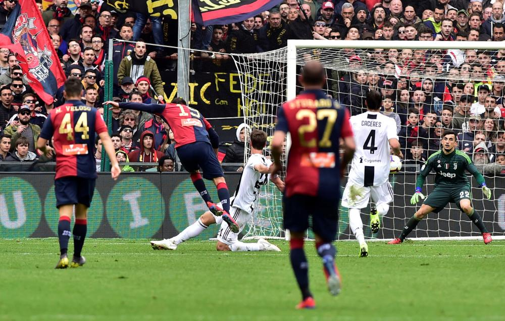 Juventus Loses at Genoa in First League Defeat of Season