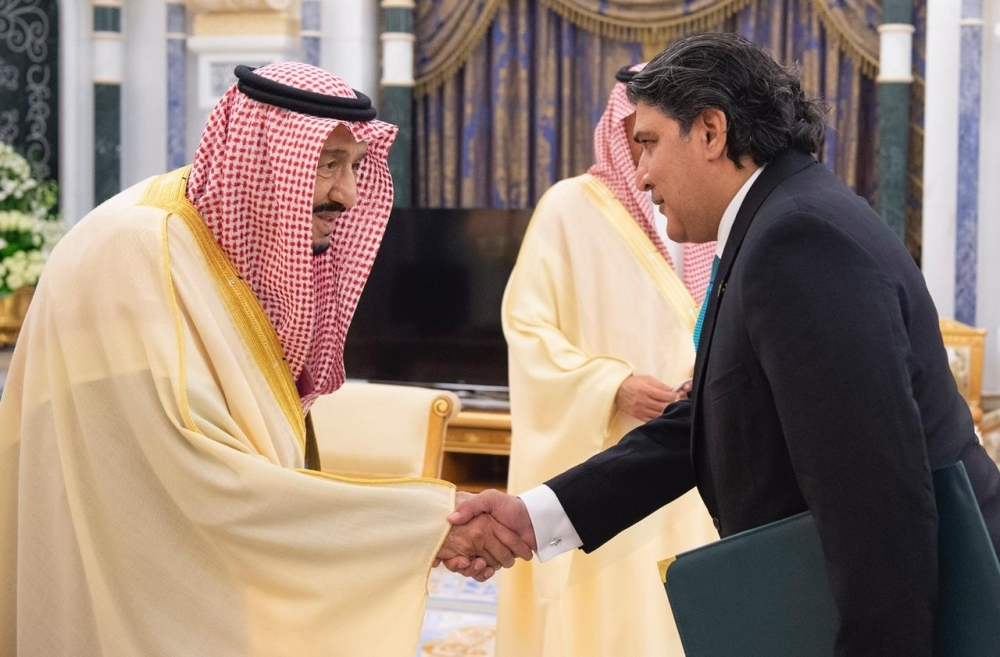 Custodian of Two Holy Mosques King Salman receives newly appointed Ambassador of Pakistan Raja Ali Ejaz at Al-Yamamah Palace in Riyadh.