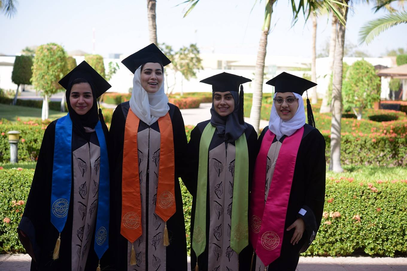 As many 467 undergraduate and postgraduate students graduated from various departments of Dar Al-Hekma University during the academic year 2018-19.