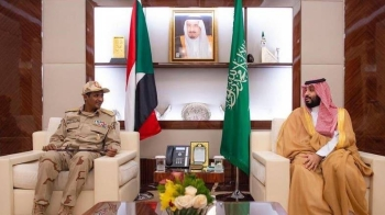 Crown Prince Muhammad Bin Salman holds talks with deputy head of Sudan's Transitional Military Council Gen. Mohamed Hamdan Dagalo in Jeddah on Thursday. — SPA