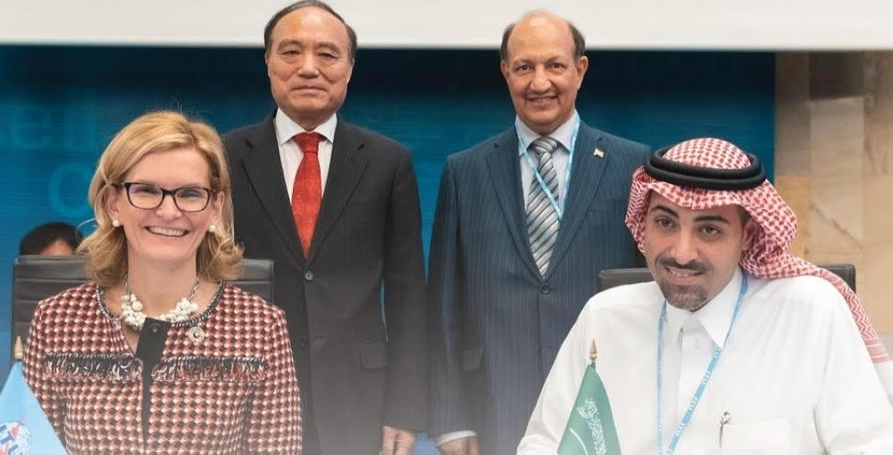 Nawaf Al-Sahhaf, right, CEO of BADER program for incubators and technology accelerators and Doreen Bogdan-Martin, director of the ITU Telecommunication Development Bureau, left, sign the document for the management of the Pan-Arab Technology Incubators' Network in Geneva. — SPA