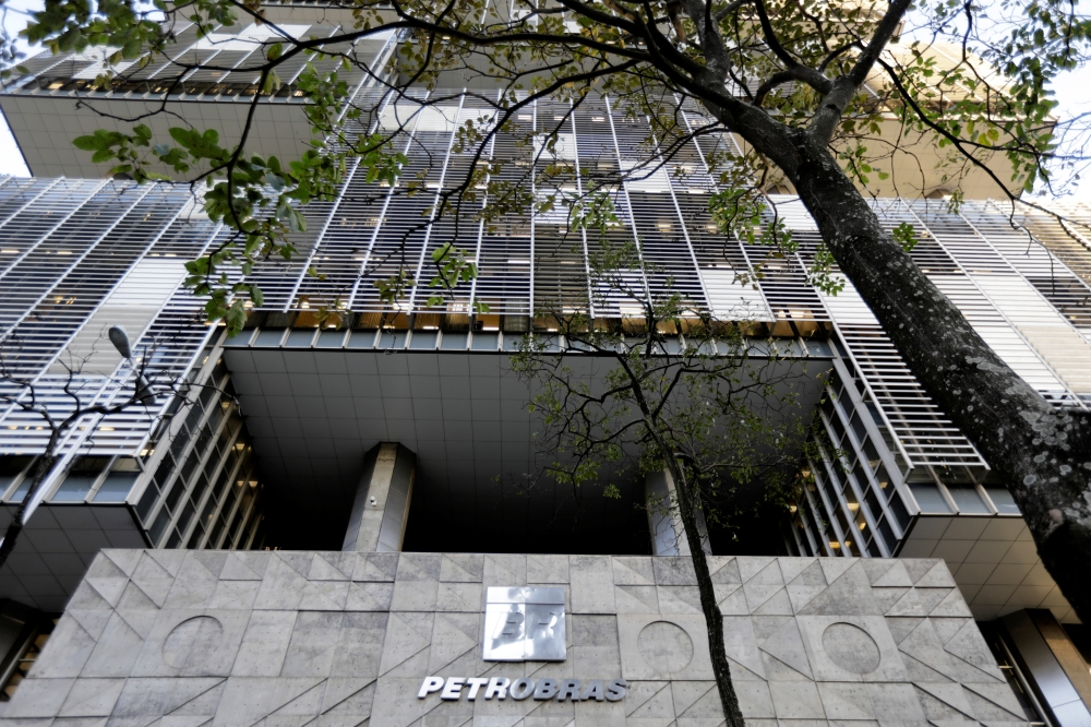 Petrobras ignored warnings about fuel broker implicated in graft