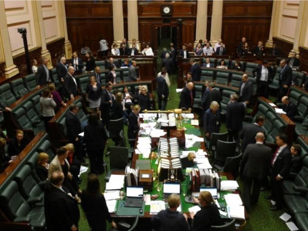 Australia senate backs $110bn tax cut plan to boost economy