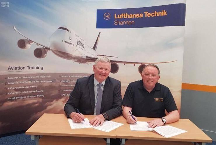 Officials of Saudi National Company of Aviation and Lufthansa Technik sign a memorandum of understanding. — SPA