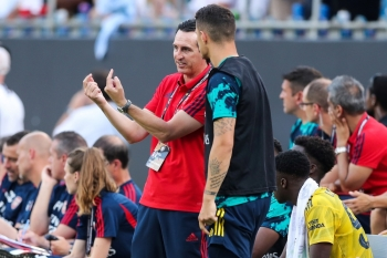 Arsenal Coach Unai Emery talks with one of his players during the International Champions Cup soccer series against Fiorentina at Bank of America Stadium, Charlotte, NC, USA in this Jul 20, 2019 file photo. — Reuters