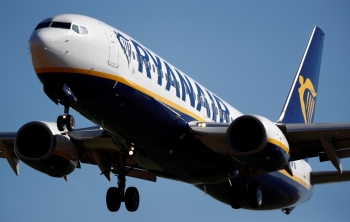 A Ryanair Boeing 737-800 aircraft approaches Paris-Beauvais airport in Tille, northern France, in this Sept. 27, 2018 file photo. — Reuters