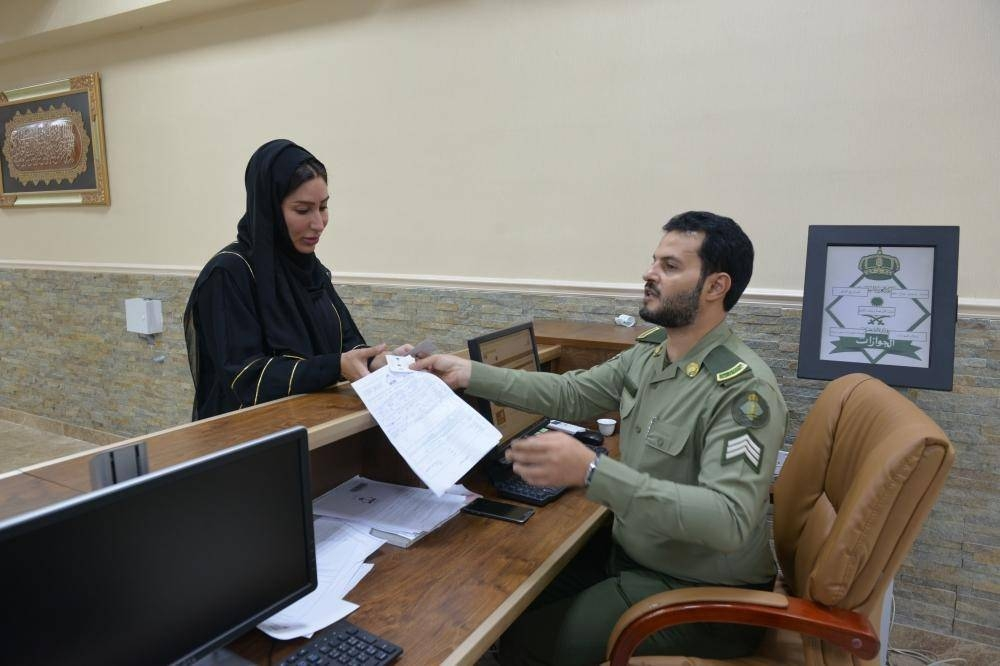 Maj. Gen. Abed Al-Harthy, director of Passports in Makkah Region, said all passport centers are engaged in carrying out the order to issue passport to all those above the age of 21 years without any restrictions. — Okaz photos