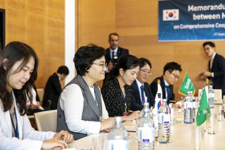 South Korea, Saudi Arabia join hands to commercialize medium-small nuclear reactor